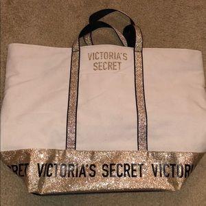 Victoria's secret zip up bag
